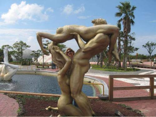 Порно фото и видео со статуями